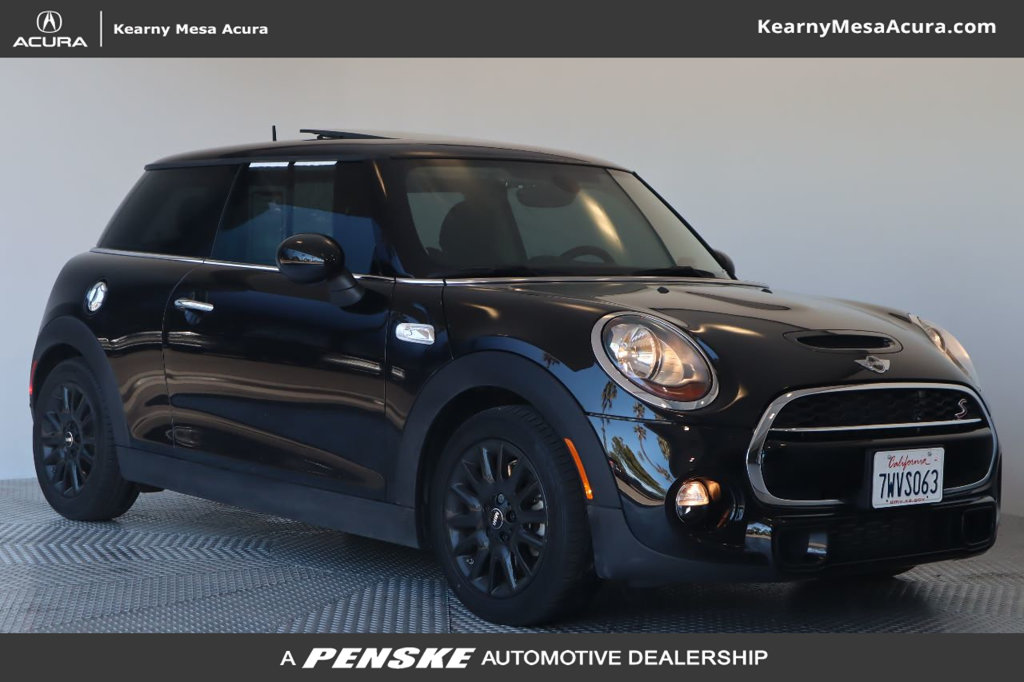Pre-Owned 2017 MINI Cooper S Hardtop 2 Door